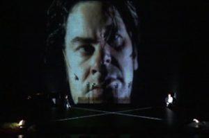Read more about the article Le théâtre augmenté (1/5) : Images, écrans, robots